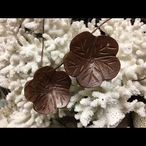 Jewelry - Vintage Carved Wood Flower Pendants
